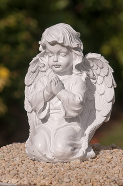Kneeling Cherub Angel