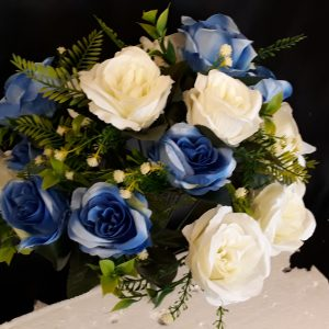 41cm Large Open Blue and Ivory Rose Bush with 18 Heads and Foliage