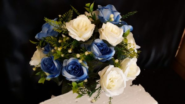 41cm Artificial Flowers, Large Open Blue & Ivory Rose Bush, 18 Heads With Foliage, Ideal for Weddings, Graves, Garden and Home