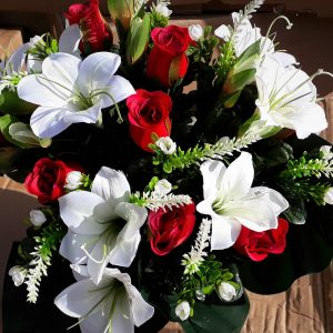 Artificial Flowers, 48cm Easter Lilly & Red Rose Bud Bush with Astilbe & Foliage 18 Heads, Ideal for Weddings, Funerals, Gardens and Home